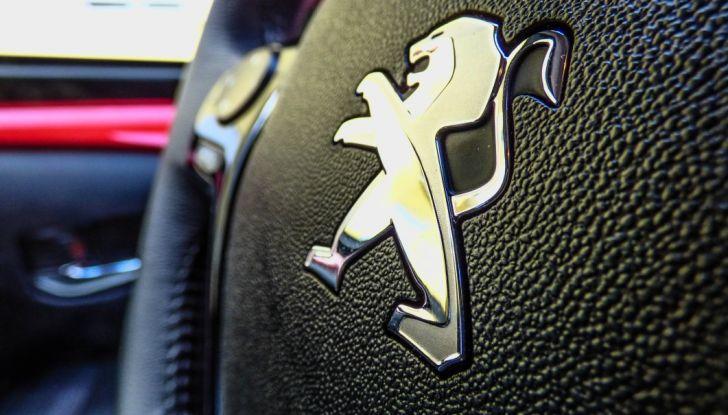 Test Peugeot 108 Collection VS Peugeot iON: Elettrica contro Citycar - Foto 25 di 39