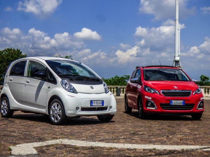 Test Peugeot 108 Collection VS Peugeot iON: Elettrica contro Citycar - Foto 14 di 39