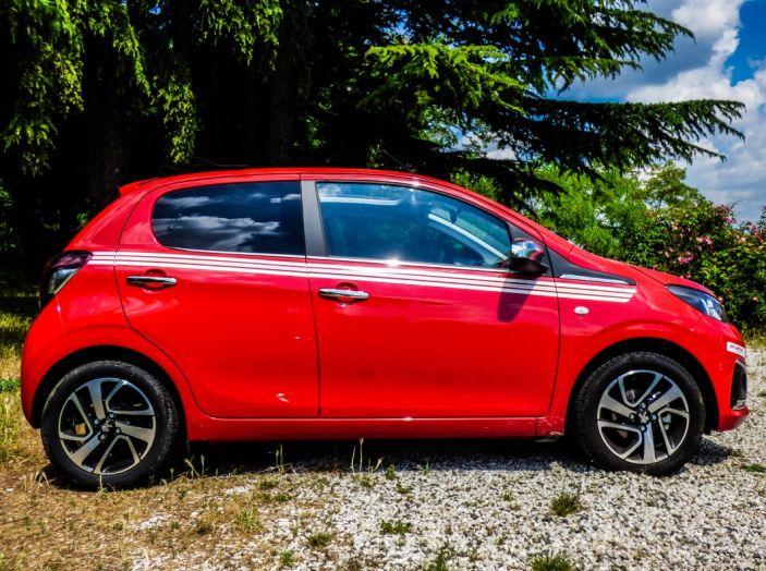Test Peugeot 108 Collection VS Peugeot iON: Elettrica contro Citycar - Foto 16 di 39