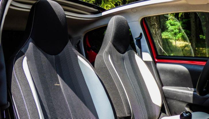 Test Peugeot 108 Collection VS Peugeot iON: Elettrica contro Citycar - Foto 24 di 39