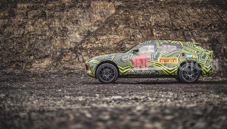 Aston Martin DBX, debutta il SUV di lusso inglese - Foto 9 di 18