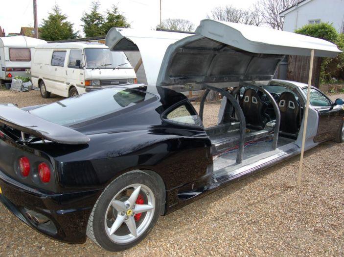 Ferrari-limousine: Potenza e comfort, ma sono guai per il proprietario - Foto 3 di 8