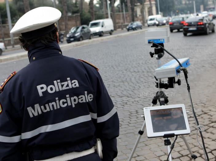 Padova, 28 euro di multa per aver lasciato l'auto aperta - Foto 7 di 11