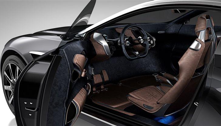 Aston Martin DBX, debutta il SUV di lusso inglese - Foto 12 di 18