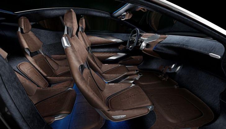Aston Martin DBX, debutta il SUV di lusso inglese - Foto 15 di 18
