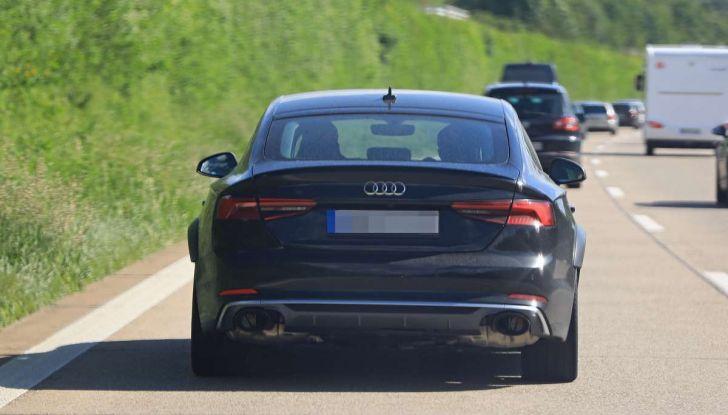 Babbo Natale cambia look nello spot Audi - Foto 9 di 9