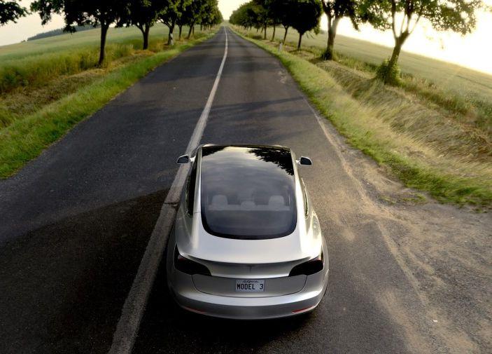 Auto a benzina e Diesel, in Italia stop dal 2040 - Foto 10 di 11