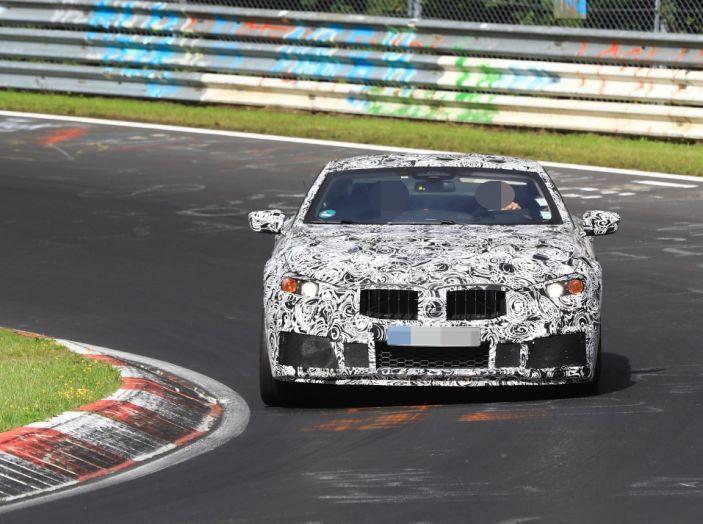 BMW Serie 8 Coupè, test in pista in vista del debutto - Foto 9 di 9