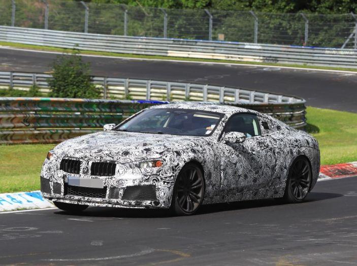 BMW Serie 8 Coupè, test in pista in vista del debutto - Foto 2 di 9