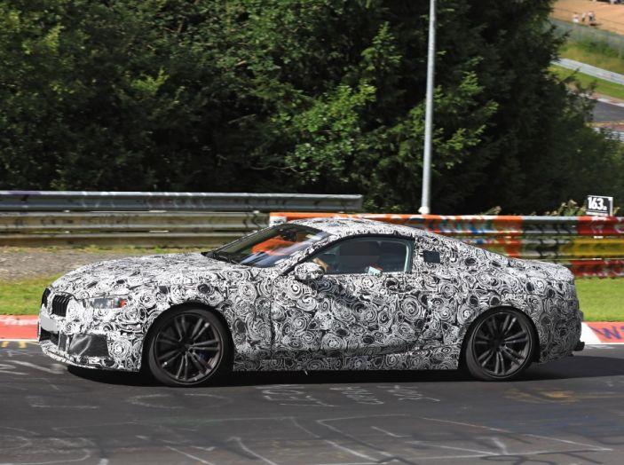 BMW Serie 8 Coupè, test in pista in vista del debutto - Foto 3 di 9