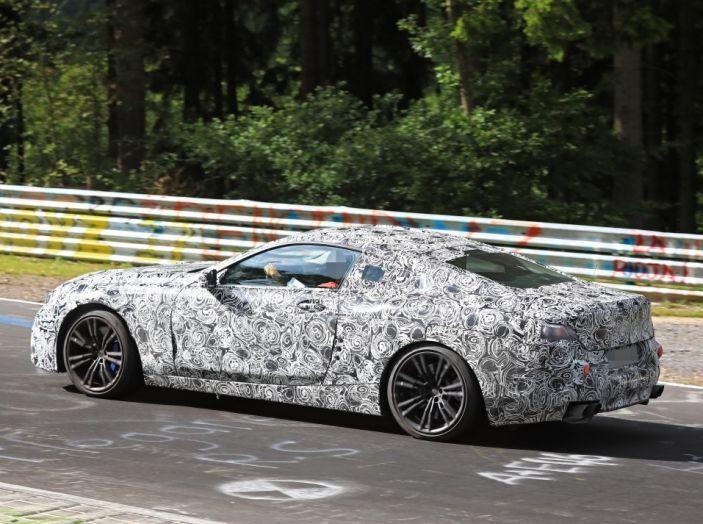 BMW Serie 8 Coupè, test in pista in vista del debutto - Foto 5 di 9