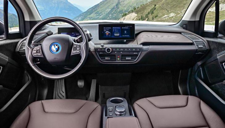 Nuova BMW i3 e i3s: l'elettrica diventa più aggressiva e tecnologica - Foto 7 di 20