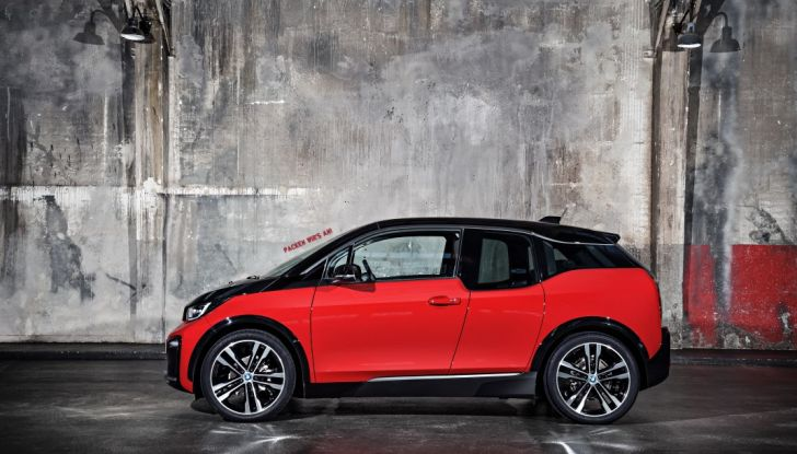 Nuova BMW i3 e i3s: l'elettrica diventa più aggressiva e tecnologica - Foto 14 di 20
