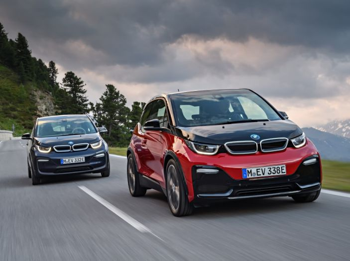 Nuova BMW i3 e i3s: l'elettrica diventa più aggressiva e tecnologica - Foto 10 di 20