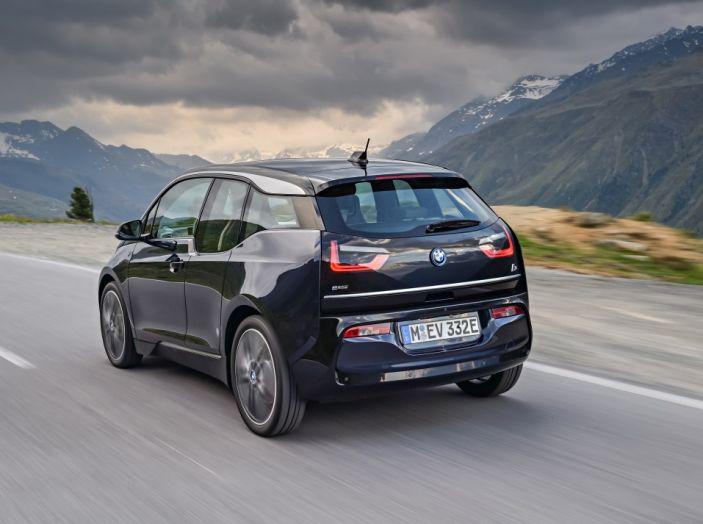 Nuova BMW i3 e i3s: l'elettrica diventa più aggressiva e tecnologica - Foto 8 di 20