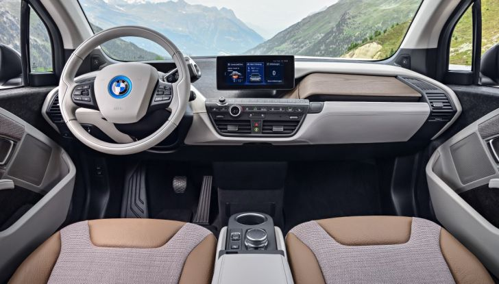 Nuova BMW i3 e i3s: l'elettrica diventa più aggressiva e tecnologica - Foto 16 di 20