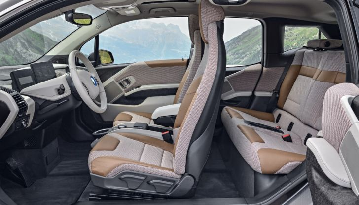 Nuova BMW i3 e i3s: l'elettrica diventa più aggressiva e tecnologica - Foto 17 di 20