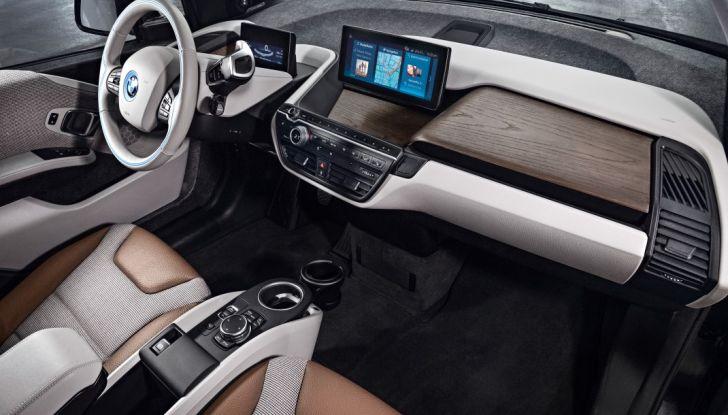 Nuova BMW i3 e i3s: l'elettrica diventa più aggressiva e tecnologica - Foto 19 di 20