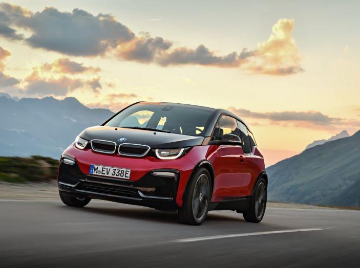 Nuova BMW i3 e i3s: l'elettrica diventa più aggressiva e tecnologica - Foto 6 di 20