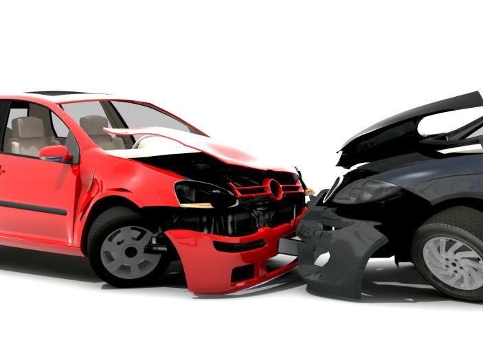 Cosa fare dopo un incidente stradale con l'auto - Foto 4 di 7