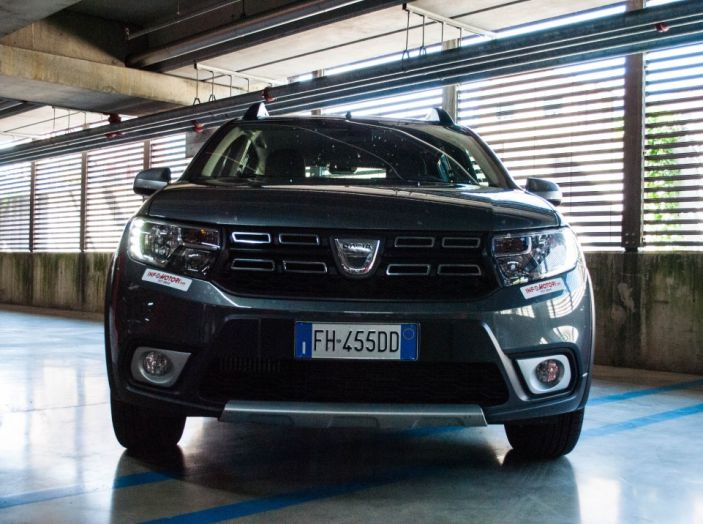 Dacia Sandero Stepway 0.9 TCe 90 CV Brave, prova su strada della versione GPL - Foto 10 di 29