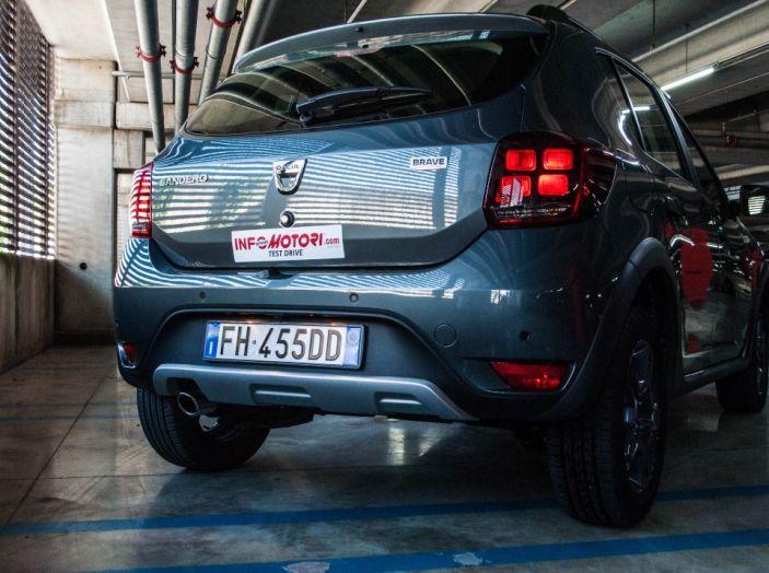 Dacia Sandero Stepway 0.9 TCe 90 CV Brave, prova su strada della versione GPL - Foto 8 di 29