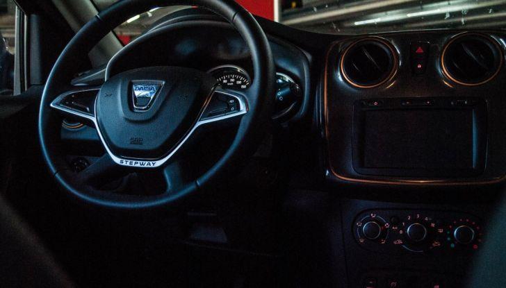 Dacia Sandero Stepway 0.9 TCe 90 CV Brave, prova su strada della versione GPL - Foto 14 di 29