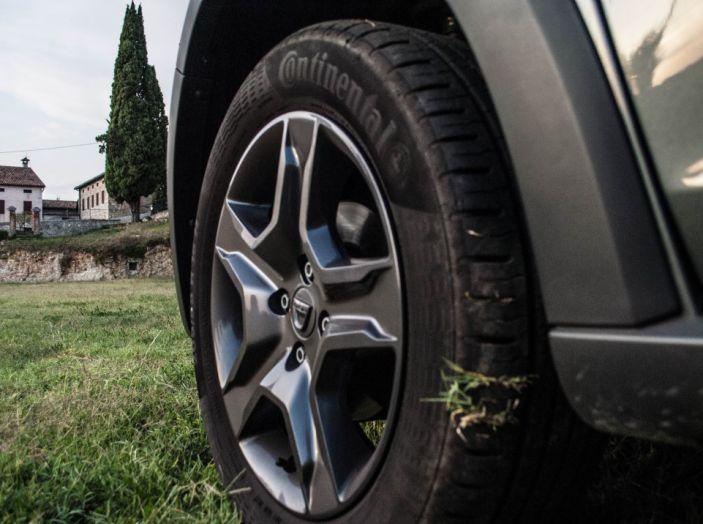 Dacia Sandero Stepway 0.9 TCe 90 CV Brave, prova su strada della versione GPL - Foto 19 di 29