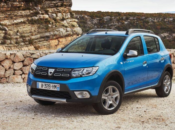 Dacia Sandero, in offerta a 7.450€ con possibilità di finanziamento - Foto 1 di 8