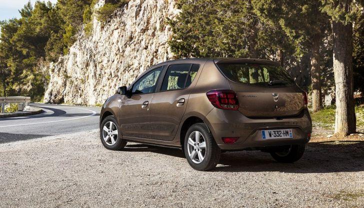 Auto a benzina VS auto a GPL: costi e consumi a confronto con Dacia - Foto 5 di 8