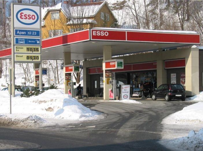 Exxon vende Esso Italia agli spagnoli ed i benzinai la citano a giudizio per la strategia commerciale - Foto 6 di 8