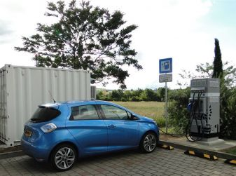 Le batterie esauste delle auto elettriche non verranno sprecate, serviranno alle ricariche