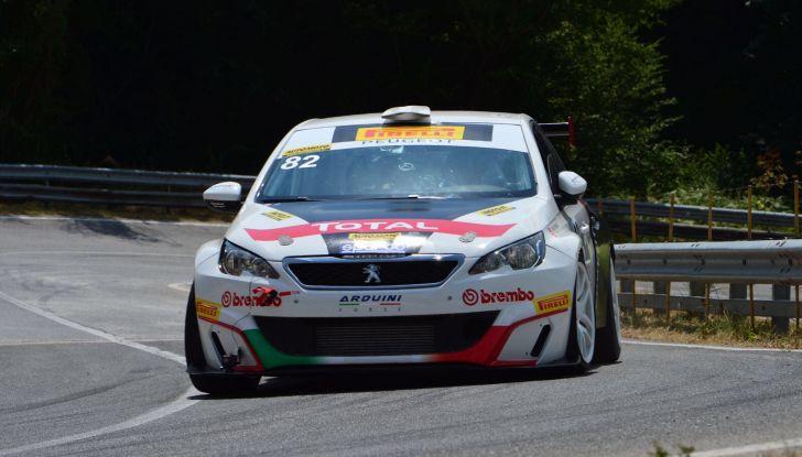 308 Racing Cup, regina in salita - Foto 2 di 3