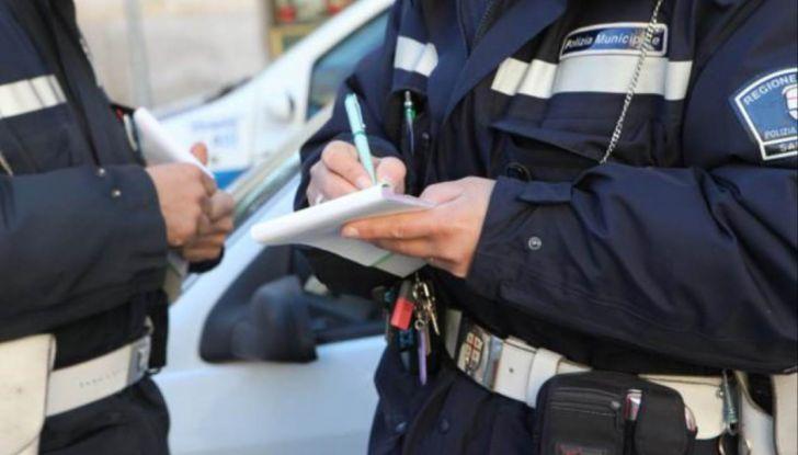 Padova, 28 euro di multa per aver lasciato l'auto aperta - Foto 2 di 11