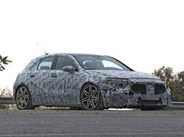Mercedes-AMG A45 2018, nuovi test della compatta sportiva - Foto 26 di 31