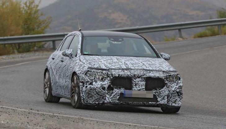 Mercedes-AMG A45 2018, nuovi test della compatta sportiva - Foto 25 di 31