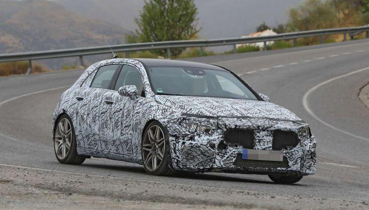Mercedes-AMG A45 2018, nuovi test della compatta sportiva - Foto 22 di 31