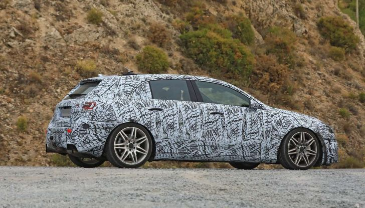Mercedes-AMG A45 2018, nuovi test della compatta sportiva - Foto 17 di 31