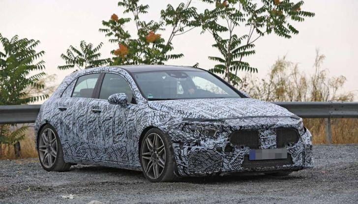 Mercedes-AMG A45 2018, nuovi test della compatta sportiva - Foto 12 di 31