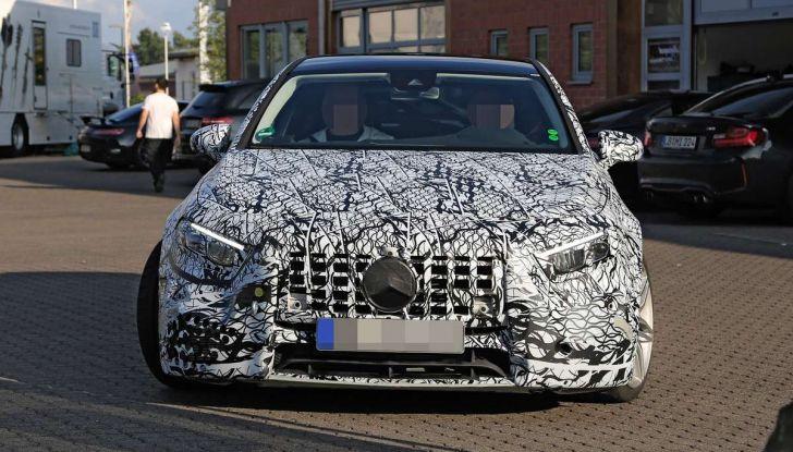 Mercedes-AMG A45 2018, nuovi test della compatta sportiva - Foto 5 di 31