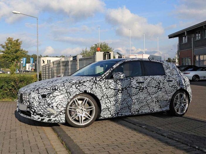 Mercedes-AMG A45 2018, nuovi test della compatta sportiva - Foto 10 di 31