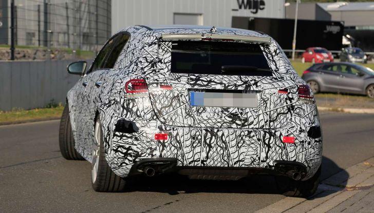 Mercedes-AMG A45 2018, nuovi test della compatta sportiva - Foto 11 di 31