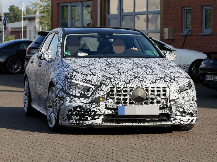 Mercedes-AMG A45 2018, i primi test della compatta sportiva - Foto 4 di 31