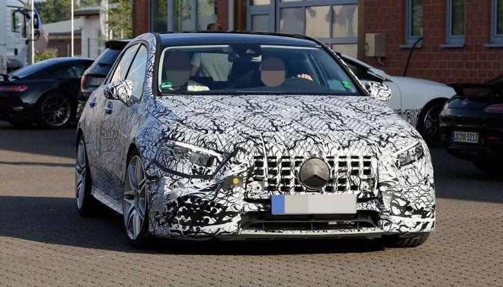 Mercedes-AMG A45 2018, nuovi test della compatta sportiva - Foto 7 di 31