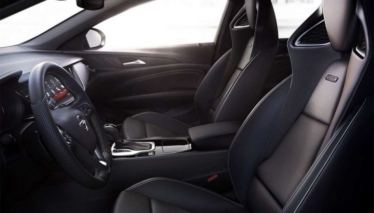 Opel Insignia GSi - Foto 6 di 7