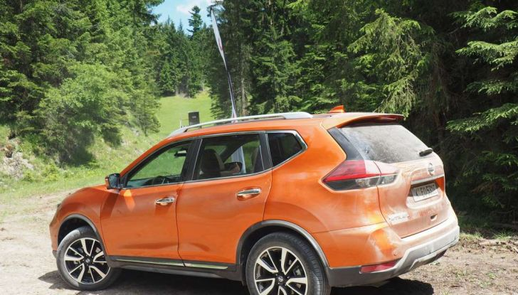 Nissan X-Trail 2018: Prova su strada, opinioni e dati tecnici del SUV 5 o 7 posti - Foto 2 di 36