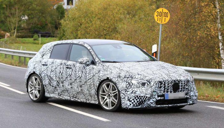 Mercedes-AMG A45 2018, nuovi test della compatta sportiva - Foto 1 di 31