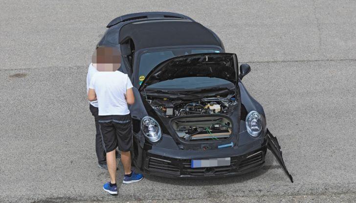 Nuova Porsche 911, nata al Nurburgring - Foto 4 di 14