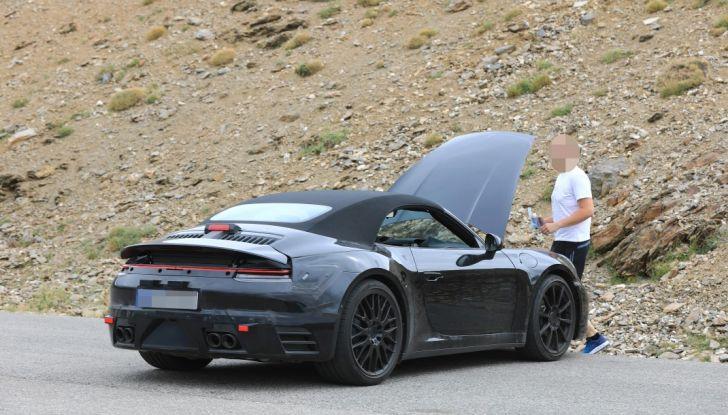 Nuova Porsche 911, nata al Nurburgring - Foto 10 di 14