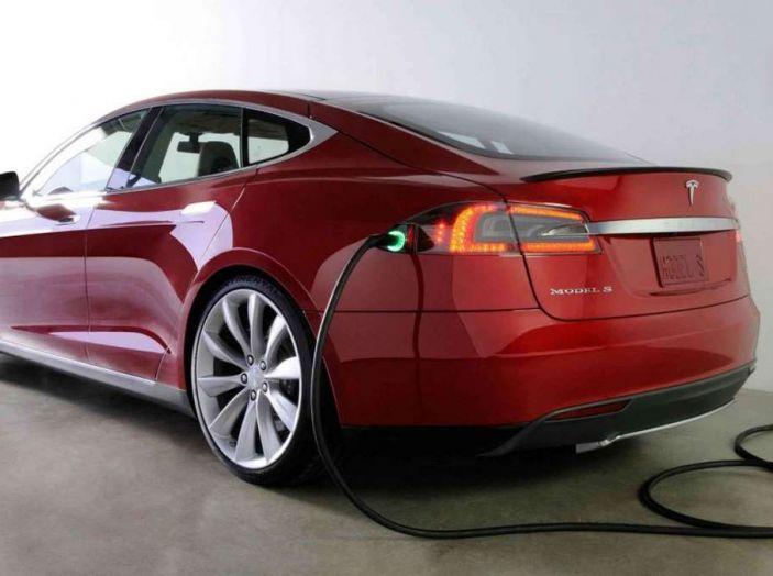Tesla leader di vendite in Norvegia a novembre - Foto 2 di 7